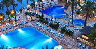 Sirenis Hotel Tres Carabelas & Spa - 伊维萨镇 - 游泳池