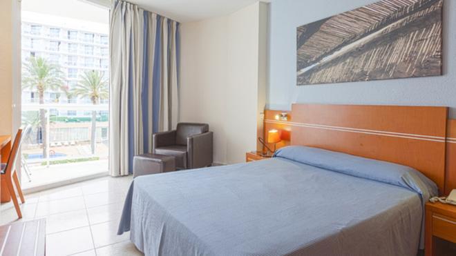Sirenis Hotel Tres Carabelas & Spa - 伊维萨镇 - 睡房