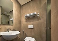 槟城龙城快捷酒店 - 乔治敦 - 浴室
