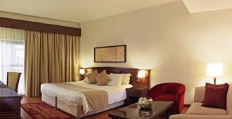 迪拜大华酒店 - 迪拜 - 睡房