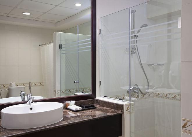迪拜大华酒店 - 迪拜 - 浴室