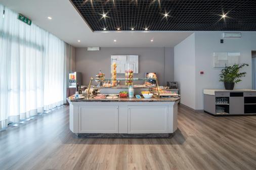 米兰圣西罗 Idea 酒店 - 米兰 - 自助餐