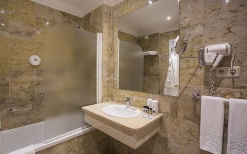 世界酒店 - 里斯本 - 浴室