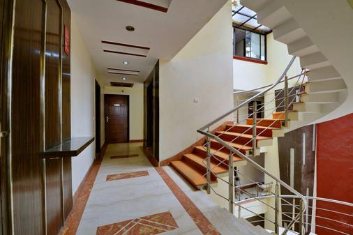 丹尼斯酒店 - 新德里 - 楼梯