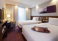 汉普顿伦敦滑铁卢希尔顿酒店 - 伦敦 - 睡房