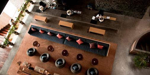 巴厘岛水明漾乌帕萨酒店 - 库塔 - 大厅
