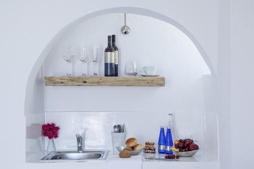 米尔典雅套房酒店 - 菲罗斯特法尼 - 厨房