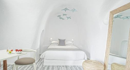 米尔典雅套房酒店 - 菲罗斯特法尼 - 睡房