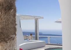 米尔典雅套房酒店 - 菲罗斯特法尼 - 游泳池