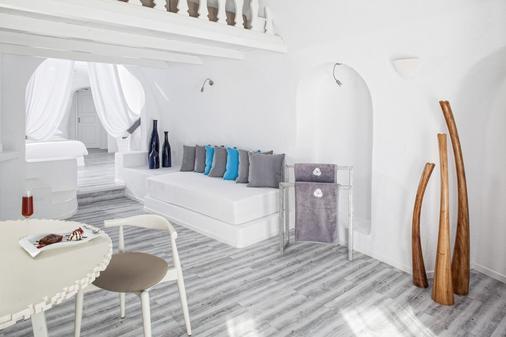 米尔典雅套房酒店 - 菲罗斯特法尼 - 客厅