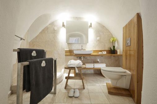 米尔典雅套房酒店 - 菲罗斯特法尼 - 浴室