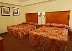 美特尔海滩海湾景度假酒店 - 默特尔比奇 - 睡房