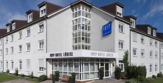 吕贝克海蓝宝石温德姆特莱普酒店 - 吕贝克 - 建筑