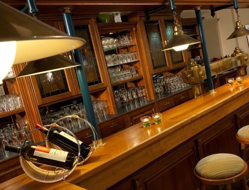 特拉普温德姆不来梅机场酒店 - 不莱梅 - 酒吧