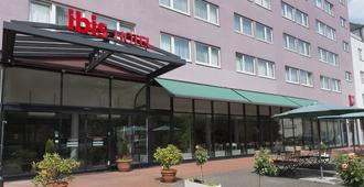 宜必思柏林坦吉尔机场酒店 - 柏林 - 建筑