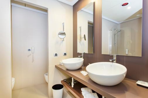 活力极品宫城穆罗酒店 - 坎皮卡福特 - 浴室