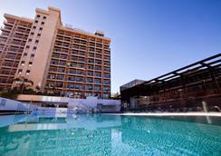 碧莱弗体验奥罗塔瓦酒店 - 拉克鲁斯 - 游泳池