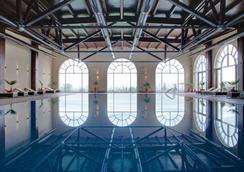 Lighthouse Golf and Spa Hotel - 巴尔奇克 - 游泳池
