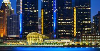 底特律文艺复兴中心万豪酒店 - 底特律 - 建筑