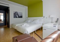 巴瑟罗卡斯特利亚纳诺特酒店 - 马德里 - 睡房