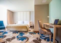 里斯本斯凯纳酒店 - 里斯本 - 睡房