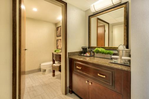 希尔顿贝尔维尤酒店 - 贝尔维尤 - 浴室