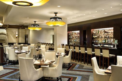 希尔顿贝尔维尤酒店 - 贝尔维尤 - 酒吧