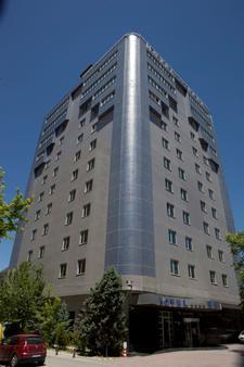 科尼亚贝拉酒店 - 科尼亚 - 建筑