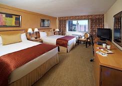 纽约天际线酒店 - 纽约 - 睡房