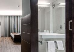 波尔图中心莫夫酒店 - 波尔图 - 睡房
