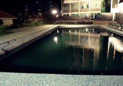 Hotel Devi Grand - Katra - 游泳池