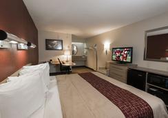 希尔顿黑德岛红屋顶旅馆 - Hilton Head Island - 睡房