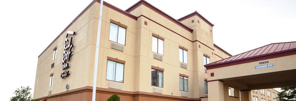 埃文斯维尔红屋顶客栈 - 埃文斯维尔 - 建筑