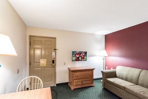 诺克斯维尔东红顶套房酒店 - 诺克斯维尔 - 客房设施