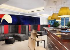 玛丽亚蕾佳娜别墅酒店 - 罗马 - 休息厅