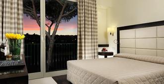 玛丽亚里贾纳别墅酒店 - 罗马 - 睡房