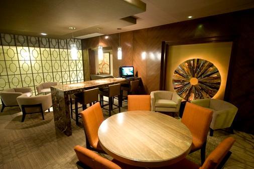安塔尔斯瓦勒酒店 - 蒙特雷 - 休息厅