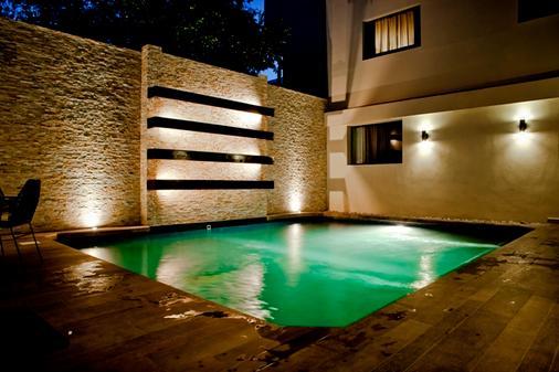 安塔尔斯瓦勒酒店 - 蒙特雷 - 游泳池