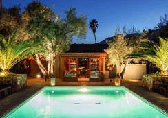 斯派罗木屋度假酒店 - 棕榈泉 - 游泳池