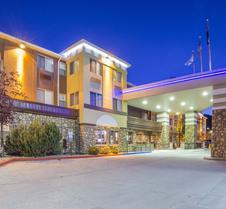 杜兰戈康福特茵酒店及套房