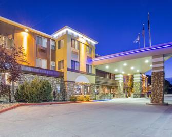 凯富套房酒店-杜兰哥 - 杜兰戈 - 建筑