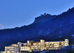 马苏里核桃树丛jw万豪度假酒店及水疗中心 - 慕苏里 - 建筑