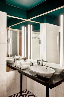 艾姆肖特菲尔法肯斯特尼酒店 - 维也纳 - 浴室