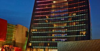 费尔蒙特巴库-火焰塔酒店 - 巴库 - 建筑