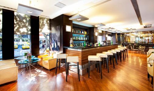 柏银特塔克西姆酒店 - 伊斯坦布尔 - 酒吧