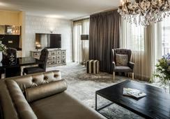 阿姆斯特丹豪华套房酒店 - 阿姆斯特丹 - 客厅