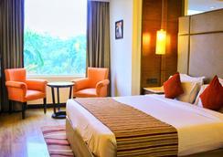 城市公园机场酒店 - 新德里 - 睡房