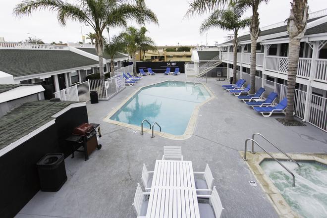 海滩天堂酒店 - 圣地亚哥 - 游泳池