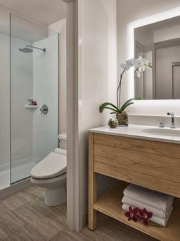 太平洋海滩酒店 - 檀香山 - 浴室