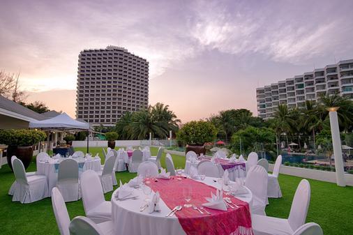 诺富特华欣七岩海滩度假酒店 - 华欣 - 宴会厅